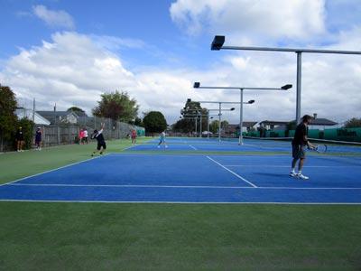 ニュージーランドでテニス