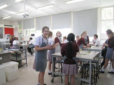 ニュージーランドで調理実習