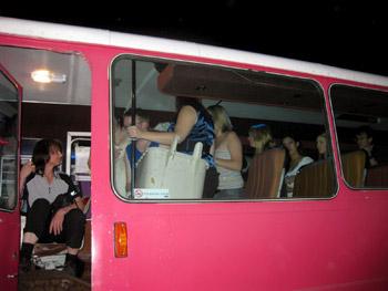 クライストチャーチのパーティーバス・テキサスという会社にたのんだ