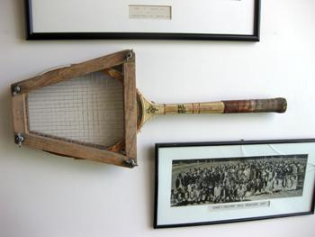 ニュージーランドの古いテニスラケット