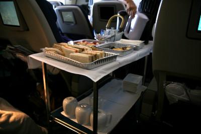ニュージーランド航空 プレミアムエコノミー 昼食