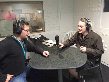 ラジオ収録 ニュージーランド