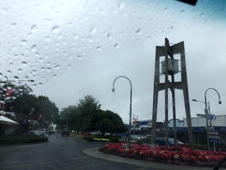 ロトルア 雨