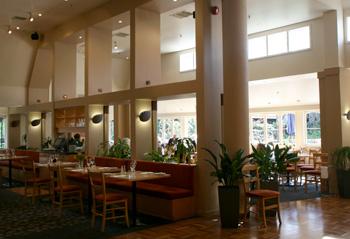 シャトーオンザパークのレストラン