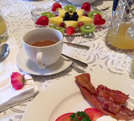 ベッド&ブレックファーストの朝食