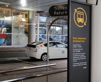 Auckland空港 無料ターミナル間バス
