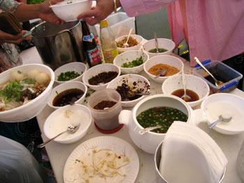 タイのチキンヌードル