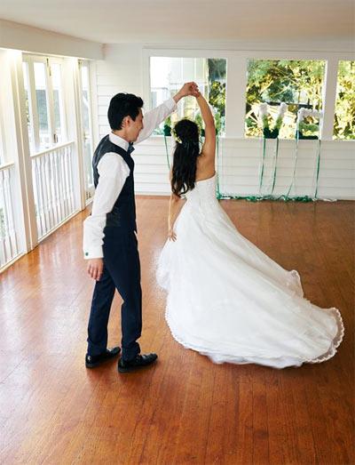 ファーストダンス 結婚式